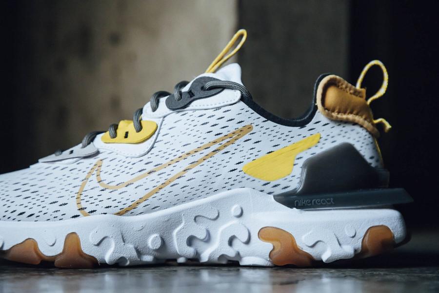 Nike React Vision DMSX 'Honeycomb' (1)