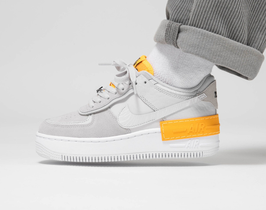 Nike Wmns AF1 Shadow 'Vast Grey Laser Orange' (1)