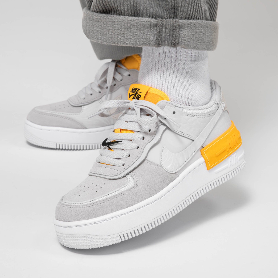 Nike Wmns AF1 Shadow 'Vast Grey Laser Orange' (3)