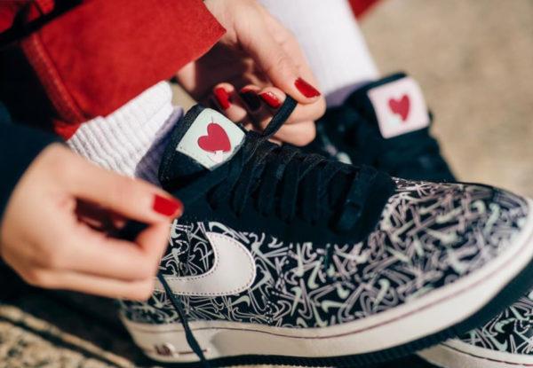 Nike Wmns Air Force 1 '07 Premium SE 'U Complete Me' Valentine's Day 2020 (3)