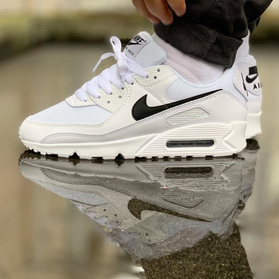 Nike Wmns Air Max 90 Recrafted 'White Black' (2)