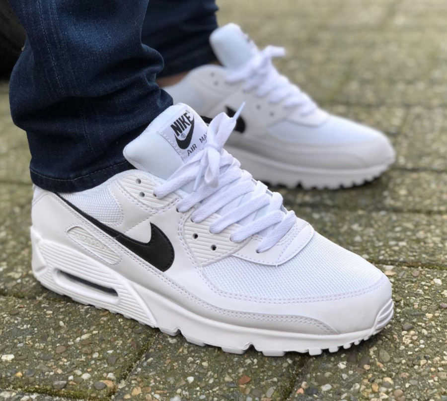 Nike Wmns Air Max 90 Recrafted 'White Black' (3)