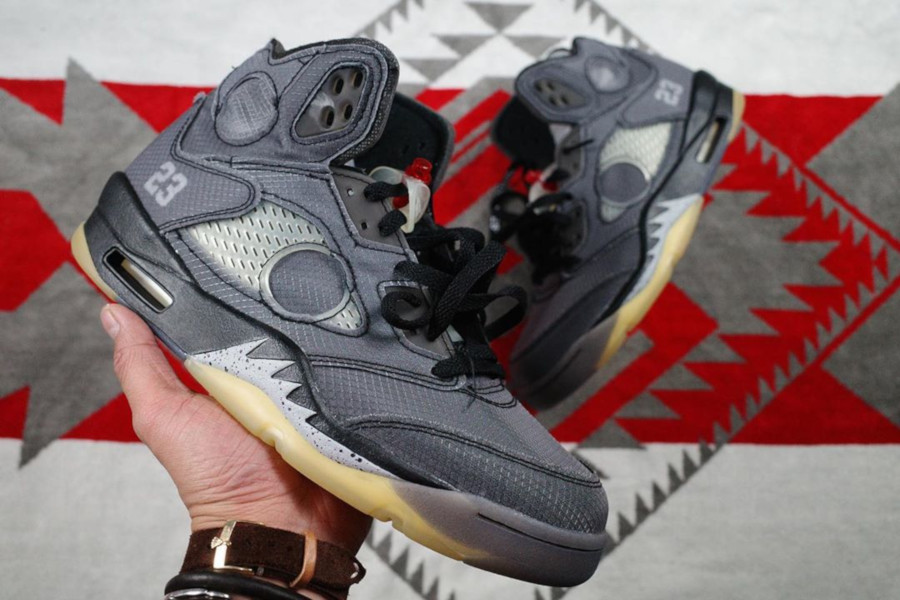 Off White x Air Jordan 5 'Black Metallic' (1)
