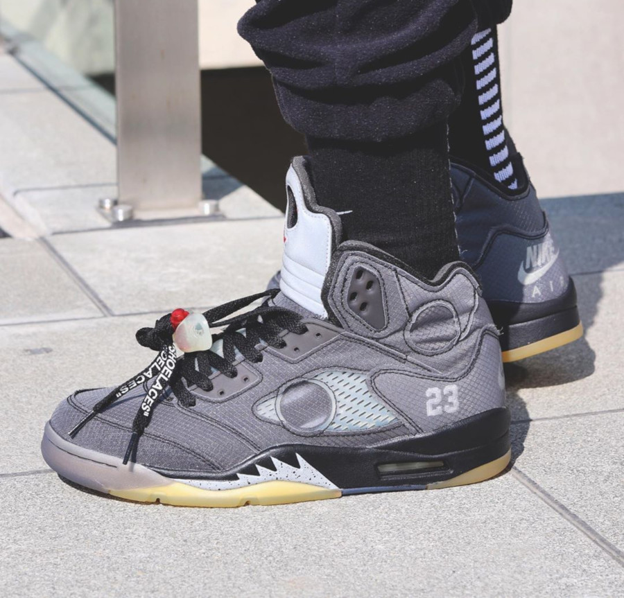 Off White x Air Jordan 5 'Black Metallic' (6)