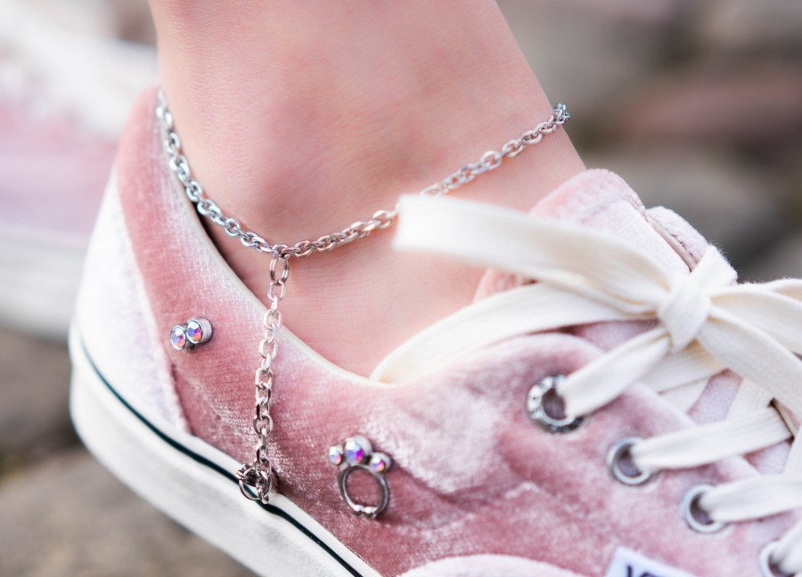 Sandy Liang x Vans Era en velours rose (3)