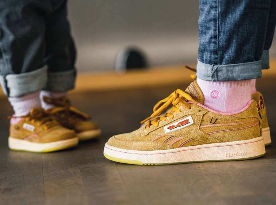 Warner Bros x Tom and Jerry x Reebok C Revenge 'Bold Brass Pink' (7)