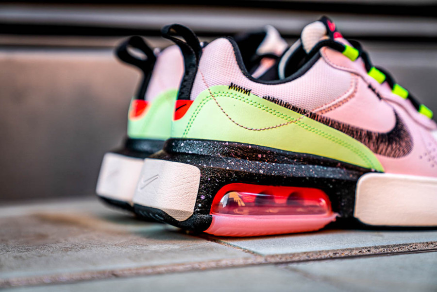 Women's Nike Air Max Verona Guava Ice Black Barely Volt Crimson Tint (3)
