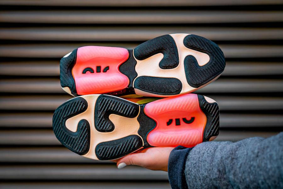 Women's Nike Air Max Verona Guava Ice Black Barely Volt Crimson Tint (5)