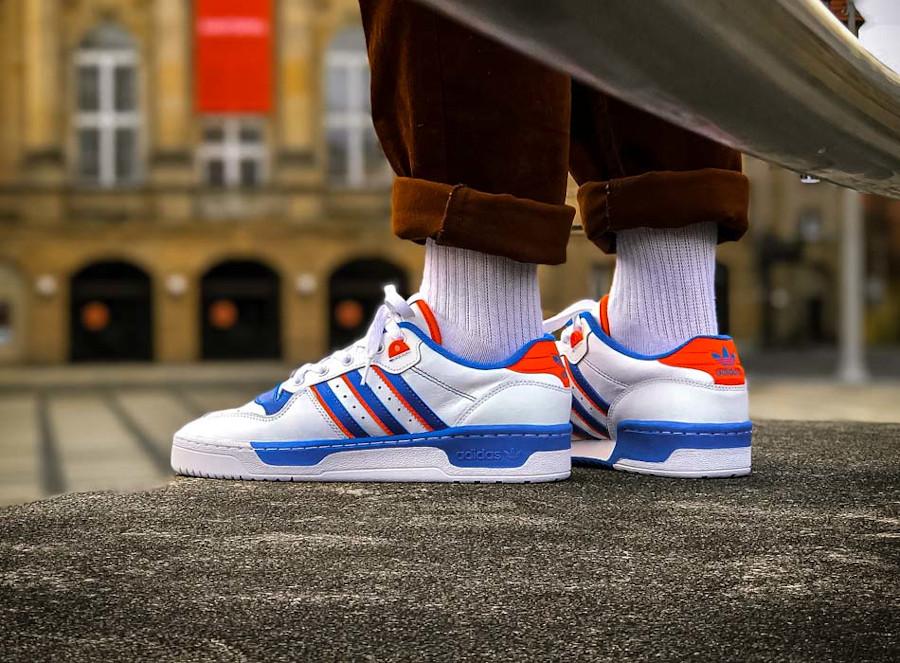 Adidas Rivalry Low 'Knicks' Cloud White Blue Orange (4)