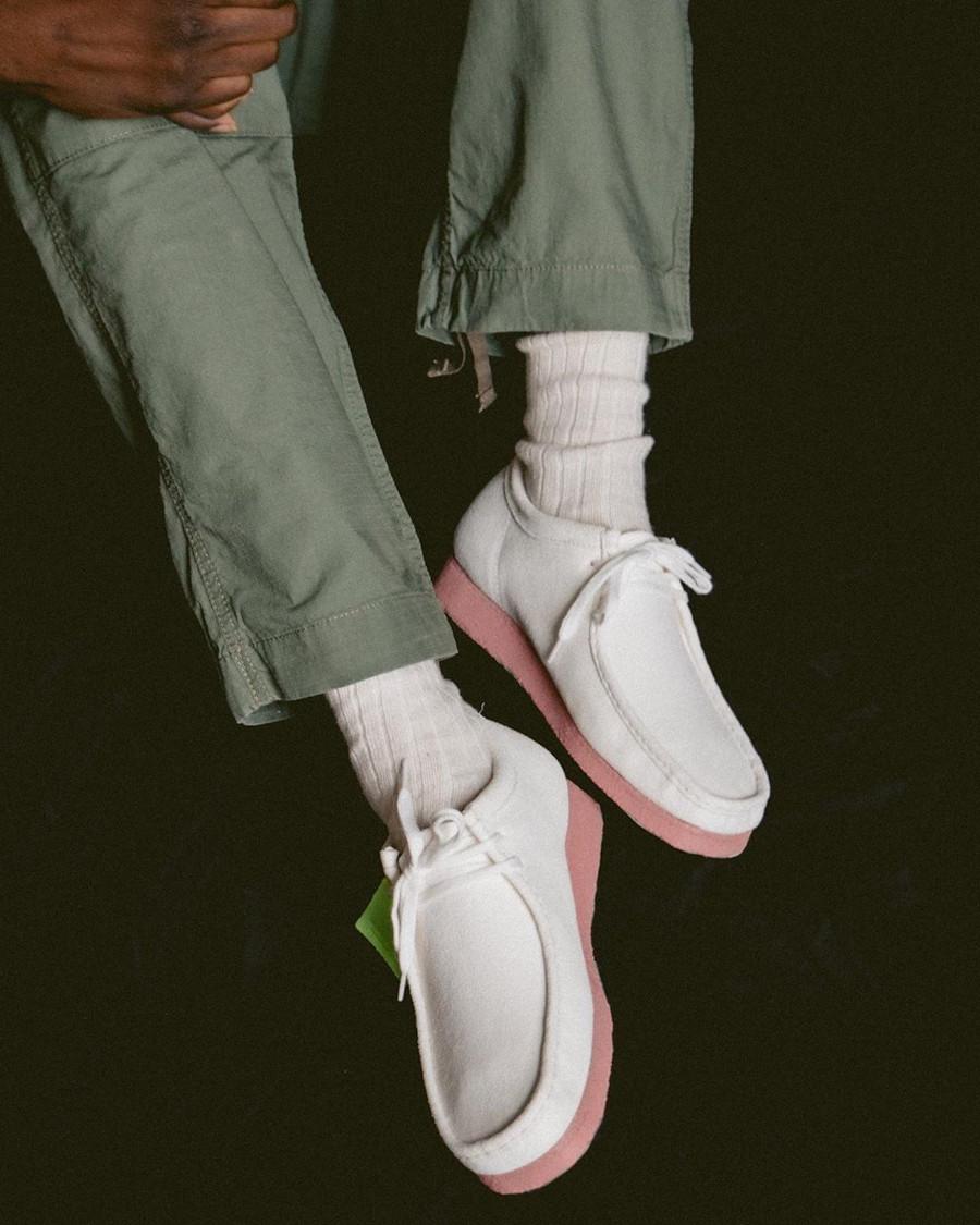 Clarks Originals Wallabee Bright White Pink (Neon Pack) (2)