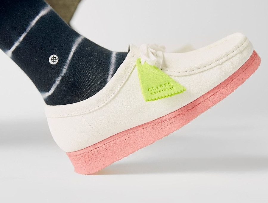 Clarks Wallabee Neon Pack White Pink 26148599S20
