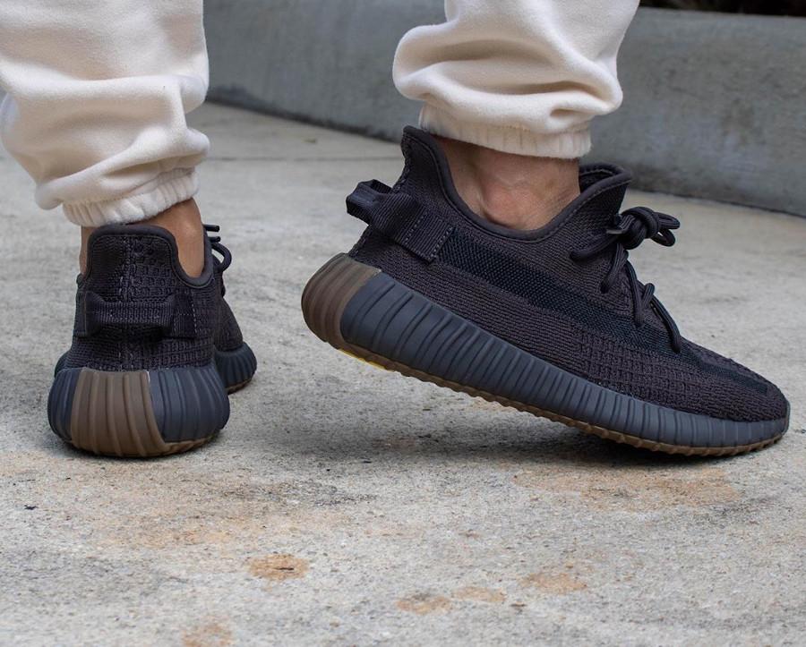 Kanye West x Adidas Yeezy Boost 350 V2 Cinder (2)
