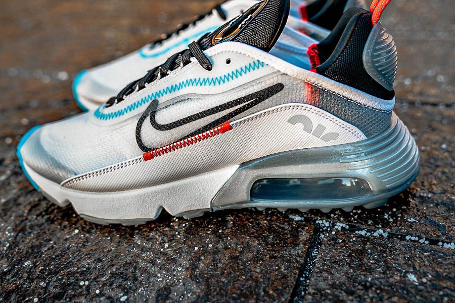 Nike Air Max 2090 White Pure Platinum Bright Crimson (3)