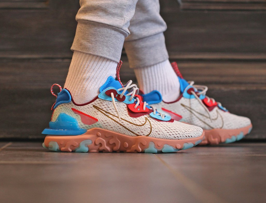 Nike DMSX React Vision 'Desert Oasis' Light Bone Terra Blush Blue (3)