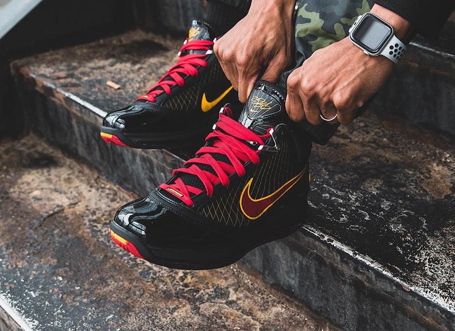 Nike Lebron 7 QS Fairfax 2020 Black Varsity Maize (5)