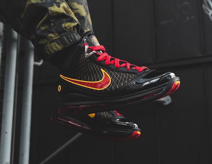 Nike Lebron 7 QS Fairfax 2020 Black Varsity Maize (6)