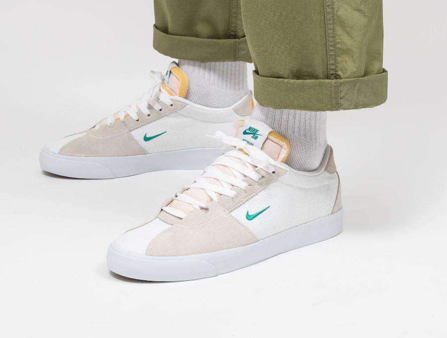 Nike SB Zoom Bruin Edge Hack Pack on feet (1)