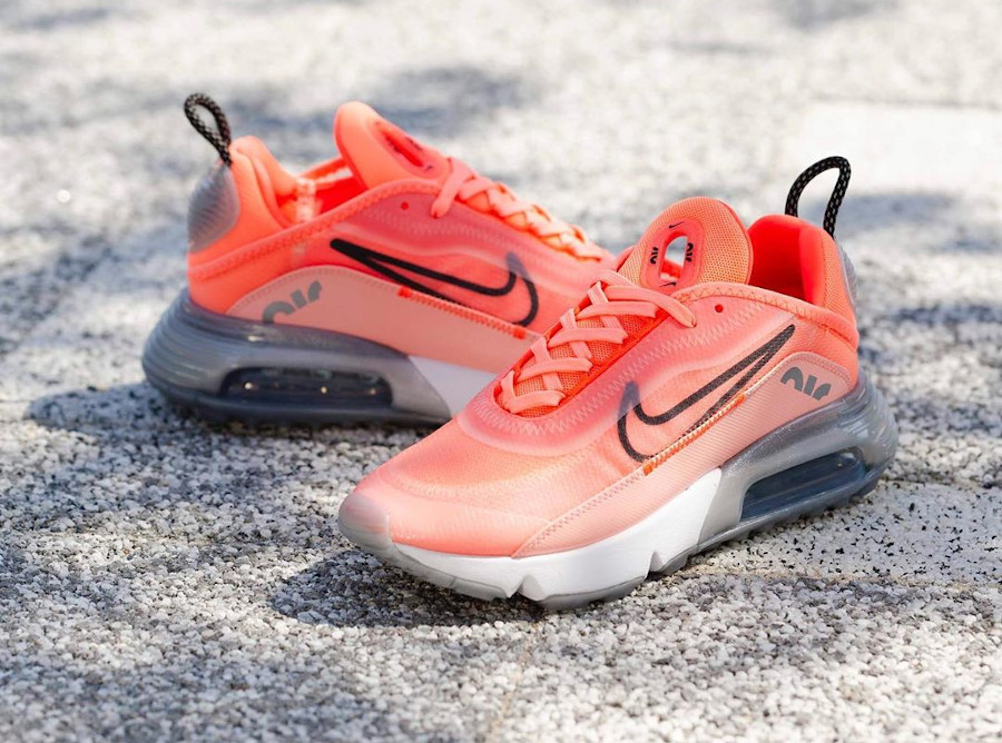 Nike Wmns Air Max 2090 Lava Glow Black Flash Crimson (3)