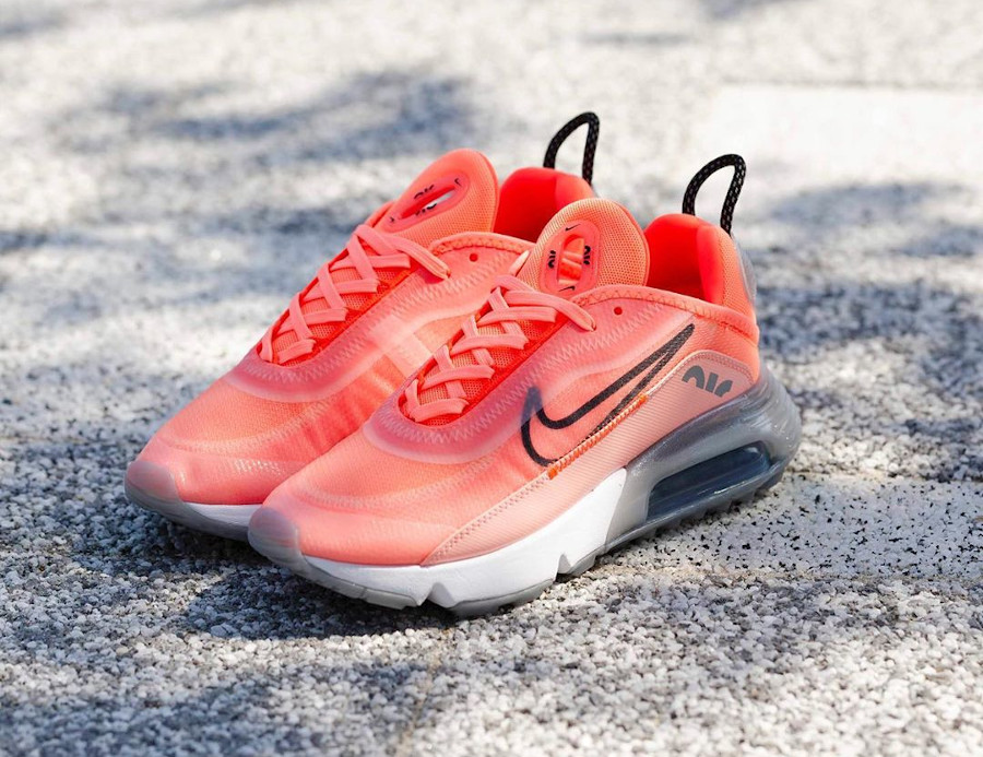 Nike Wmns Air Max 2090 Lava Glow Black Flash Crimson (4)
