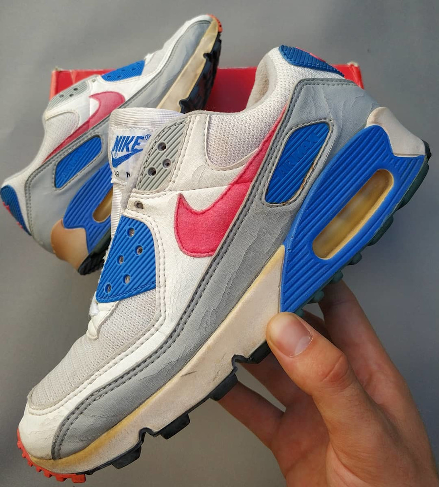 Nike Wmns Air Max 90 OG Hot Coral - @wakeup_kids