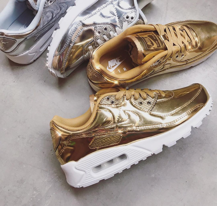 Nike Wmns Air Max 90 SP Metallic Pack Gold 2020 (2)