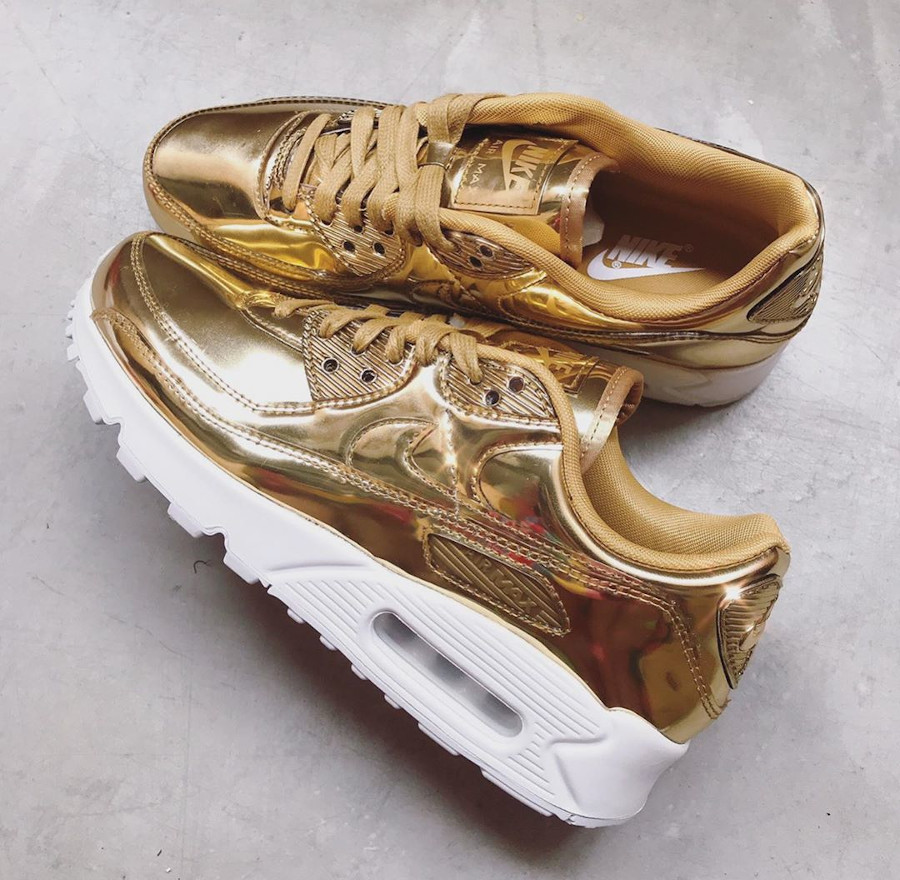 Nike Wmns Air Max 90 SP Metallic Pack Gold 2020 (3)