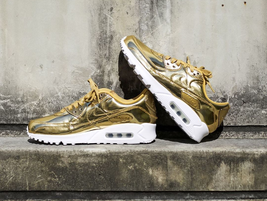 Nike Wmns Air Max 90 SP Metallic Pack Gold 2020 (4)
