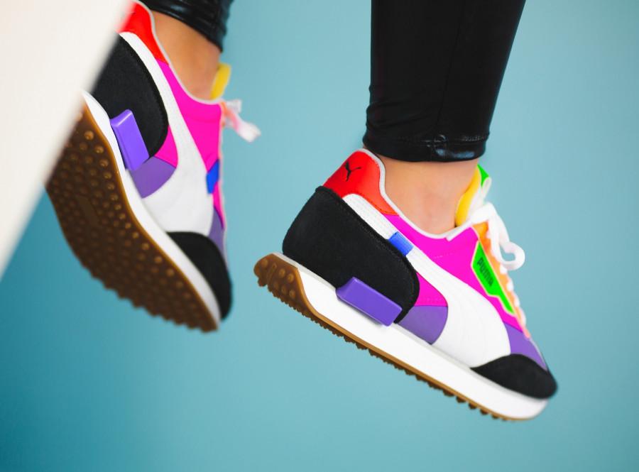 Puma-Future-Rider-Play-On-Wns-Multicolor-Luminous-Purple-Fluo-Pink-on-feet-3