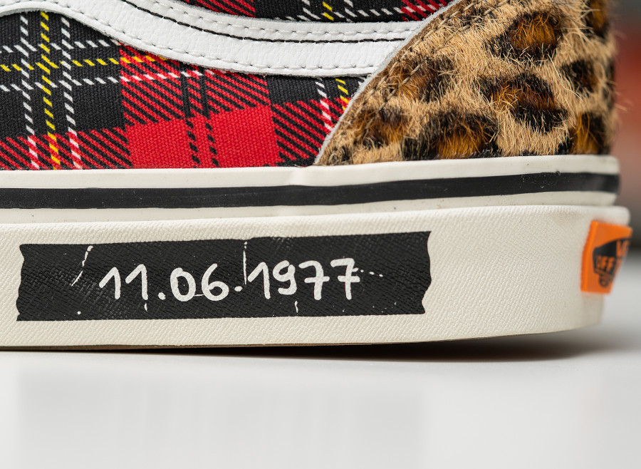 Size x Vans Old Skool 'Three Stages of Punk' (2)
