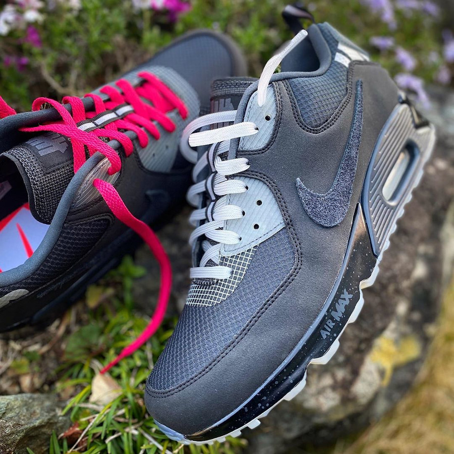 Undefeated x Nike Air Max 90 'Black Anthracite' (1)