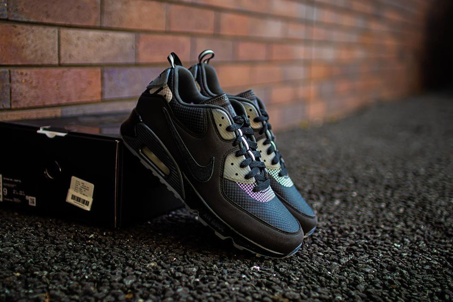Undefeated x Nike Air Max 90 'Black Anthracite' (2)