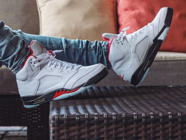 Nike Air Jordan 5 Retro : toute son actualité | Sneakers actus