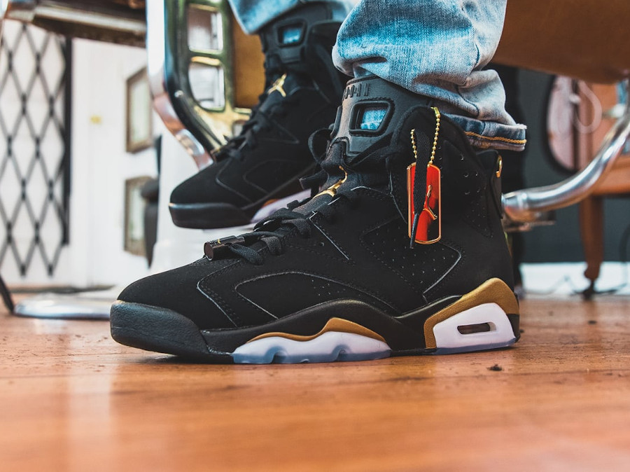 Air Jordan VI Retro Defining Moments 2020 on feet