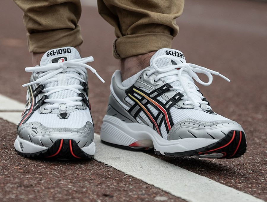 Asics Gel 1090 OG White Black (1)