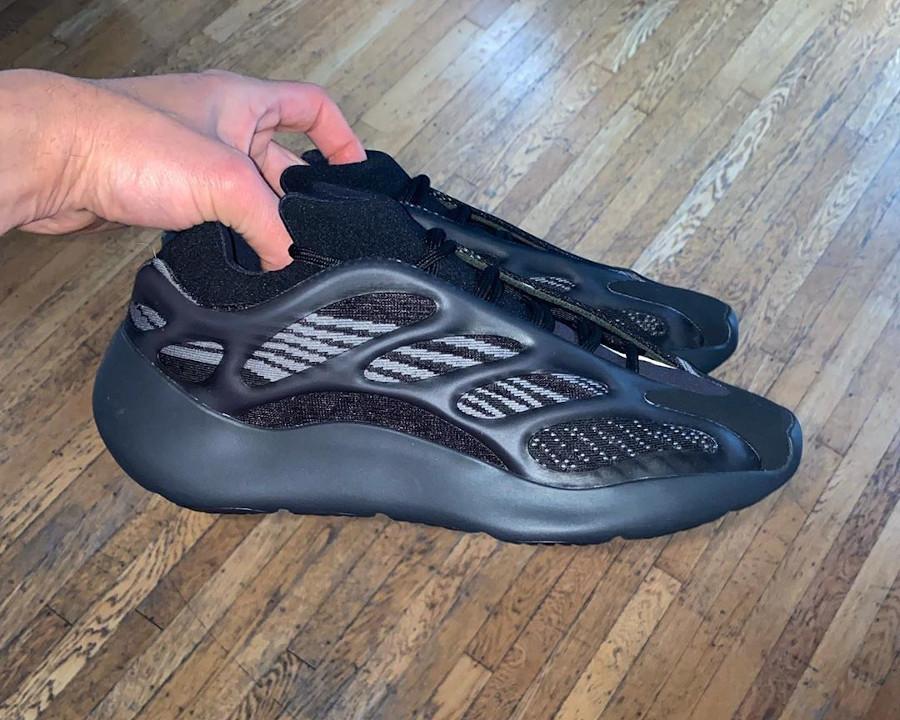 Kanye West x Adidas Yeezy 700 V3 Alvah (1)
