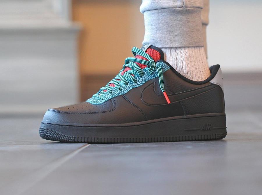 Que vaut la Nike Air Force 1 '07 LV8 Stingray Black Mist
