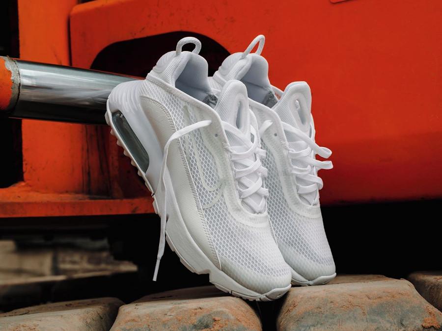 Nike Air Max 2090 blanche (2)
