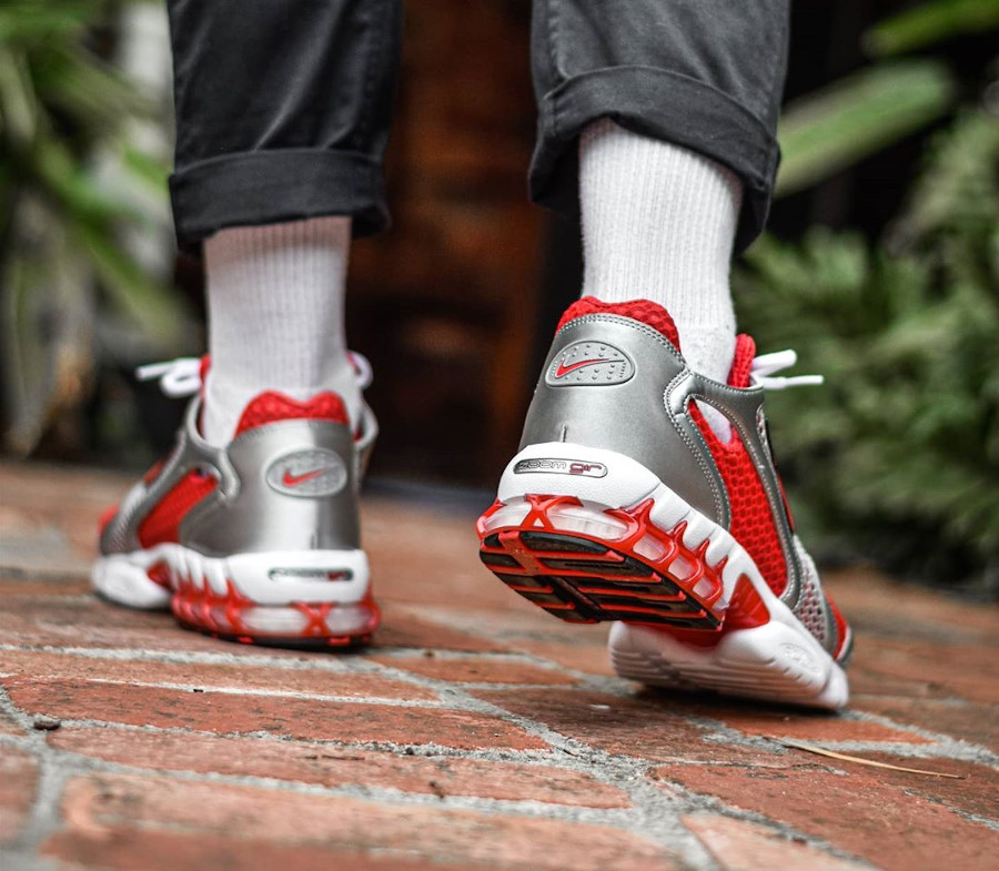 Nike Air Zoom Spiridon Cage 2 rouge et gris métallique (1)