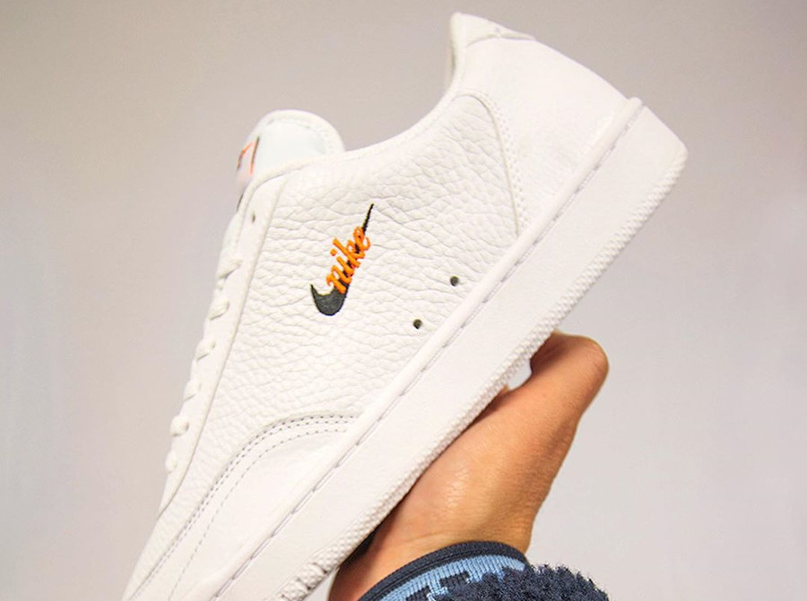 Que vaut la Nike Court Vintage PRM 'White Total Orange