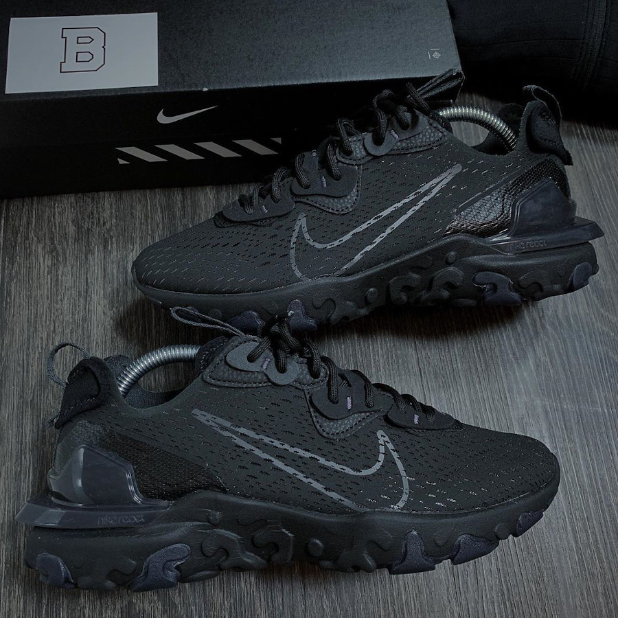 Nike React Vision DMSX Triple Black (1)