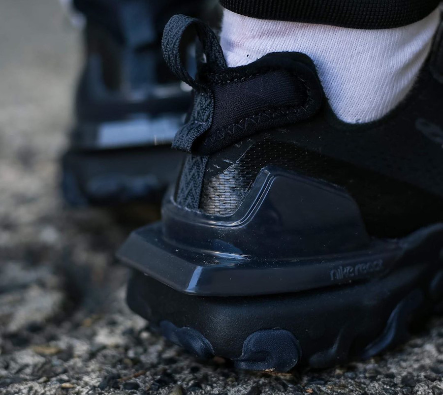 Nike React Vision DMSX Triple Black (3)
