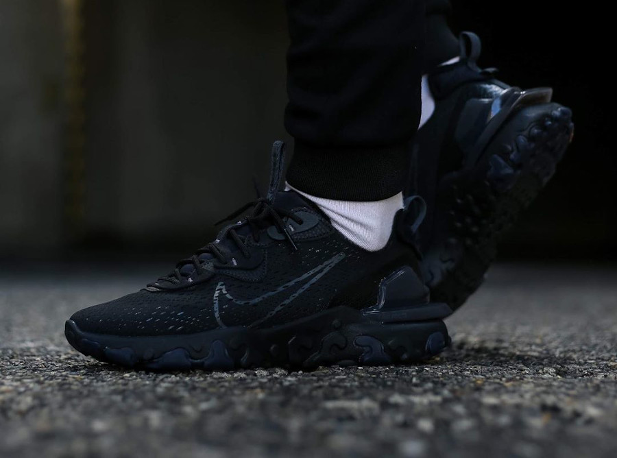 Nike React Vision DMSX Triple Black (4)
