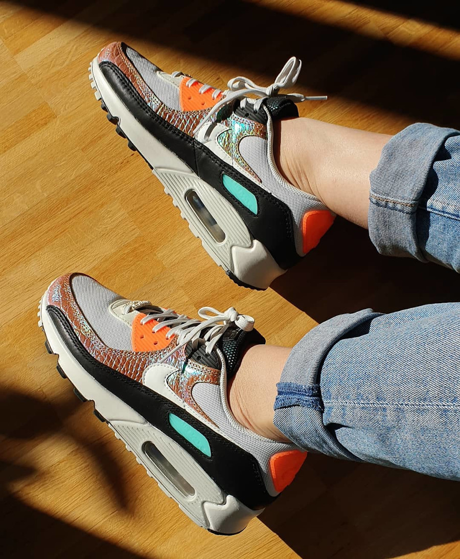 Nike Wmns Air Max 90 Gold Reptile on feet (2)