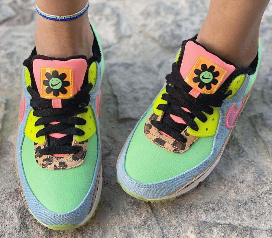Nike Wmns Air Max 90 LX '90's Dancefloor' Illusion Green Sunset Pulse on feet (1)