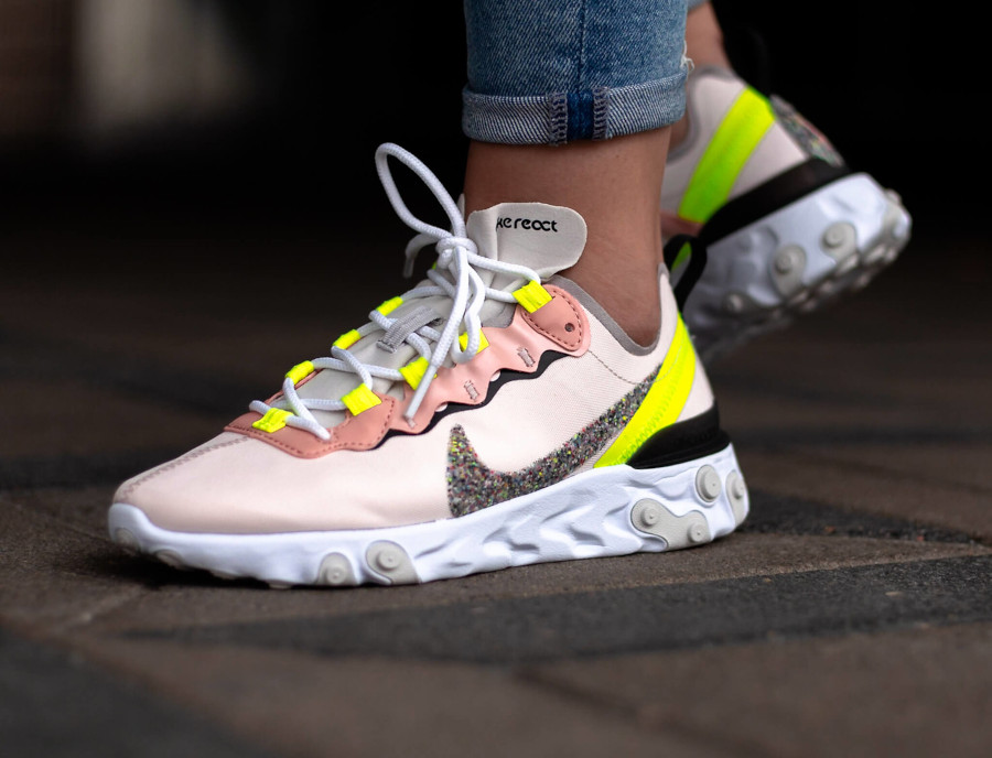 Nike Wmns React Element 55 Light Soft Pink en solde