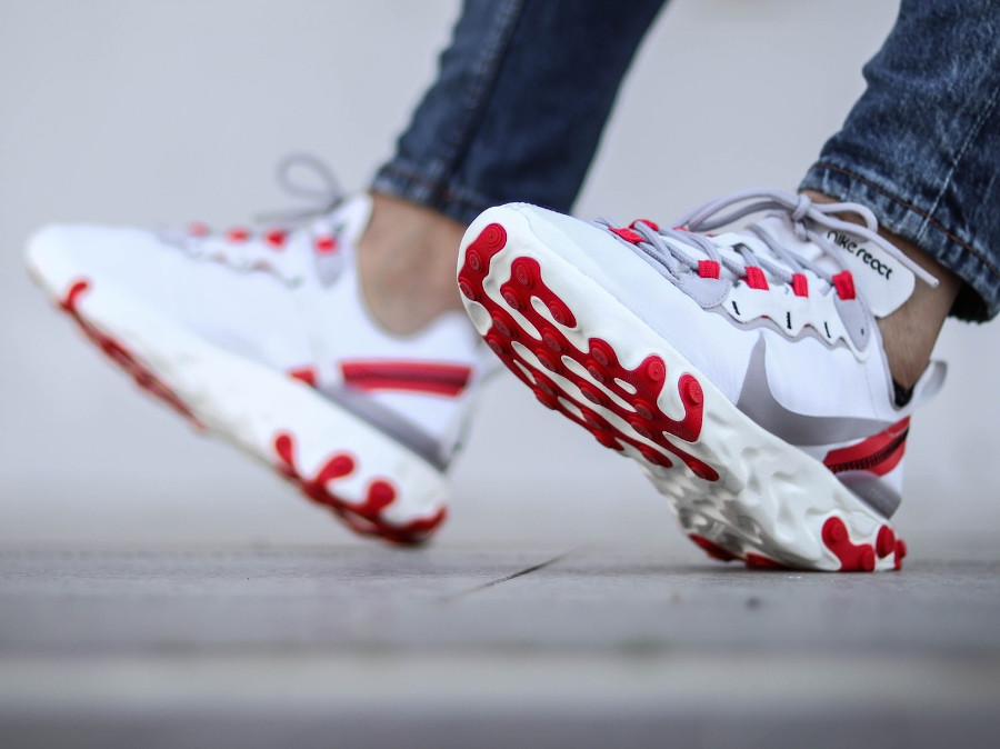 Nike Wmns React Element 55 Pure Platinum Track Red en solde BQ2728-010
