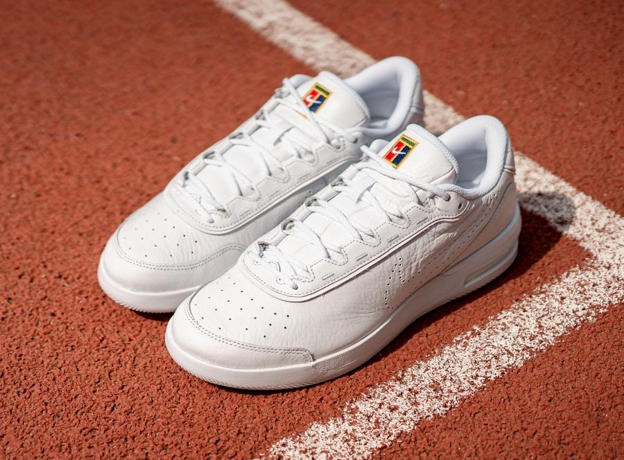 NikeCourt-Air-Max-Vapor-Wing-Premium-White-1