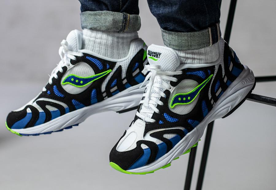 Saucony Grid Azura 2000 OG White Blue Lime on feet (2)