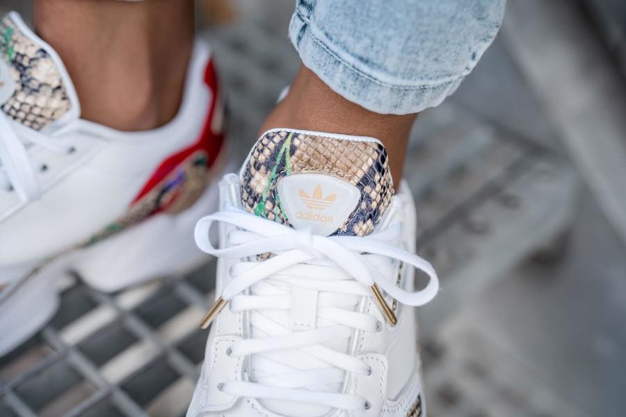 Adidas Falcon W blanche Cloud White Python Snakeskin on feet (3)