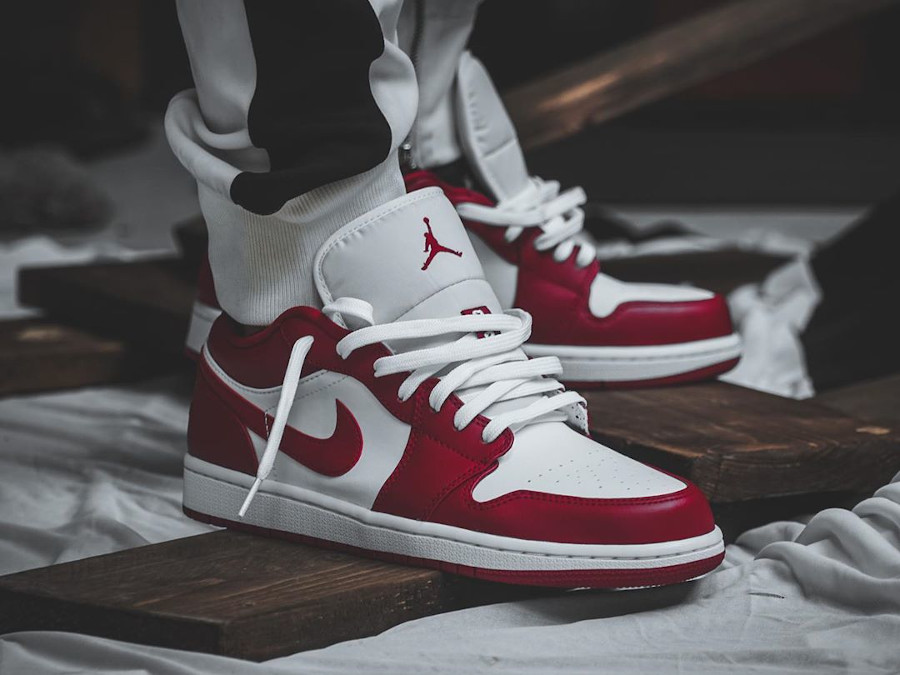 Air Jordan 1 Low White Gym Red (2)
